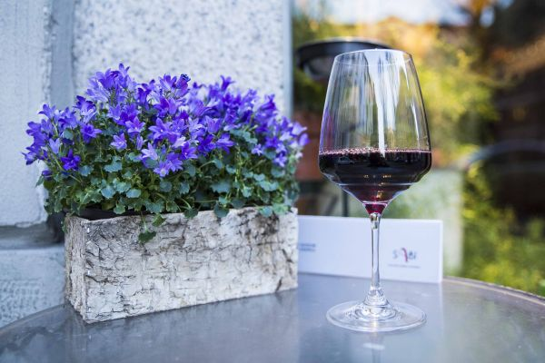 Pinotage and flowers